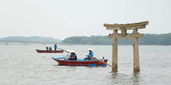【夏/体験】小島神社へ漕ぎ出そう!『小島伝馬船(こじまてんません)』運行開始!内海湾遊覧船 (うちめわん)