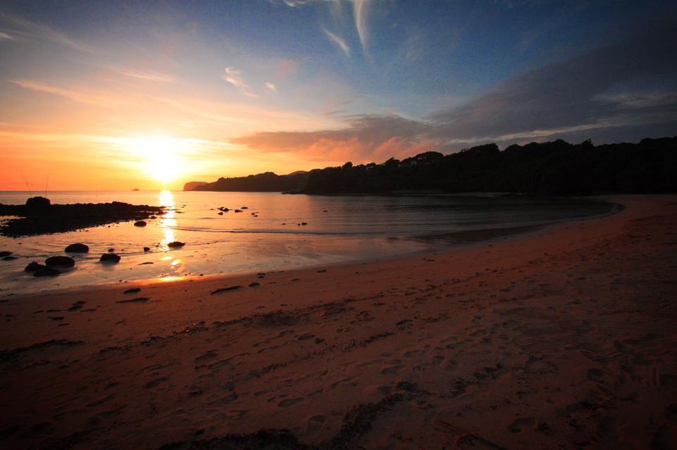 里浜海水浴場の夕日(さとはま)