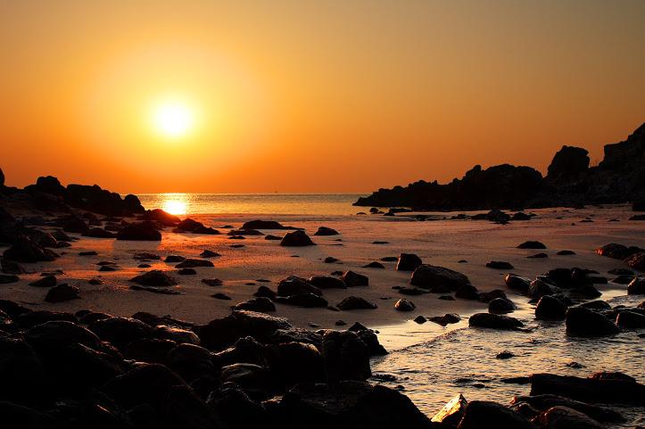 壱岐市乙島の浜の朝日