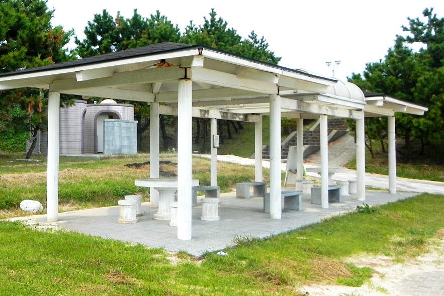 大島海水浴場の休憩所