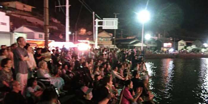打ち上げ花火、横から見ると?『壱岐の島 夜空の祭典』(勝本町)花火大会