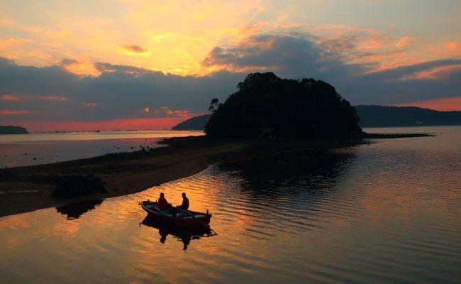 【体験】小島神社へ櫓漕ぎ船!『小島伝馬船(こじまてんません)』に乗ってみた!内海湾遊覧船 (うちめわん)